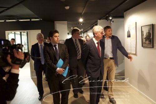 Открытие выставки в Париже